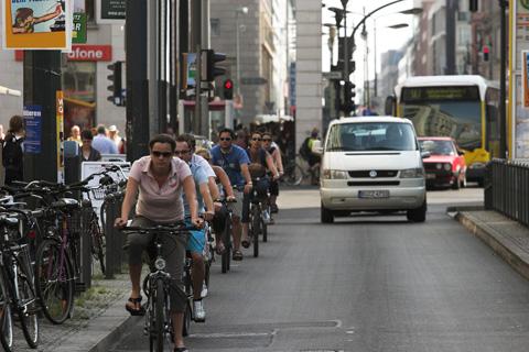 Fahrrad fahren in der Großstadt