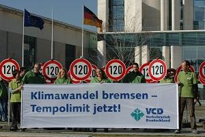 VCD-Protestaktion für ein Tempolimit auf Autobahnen