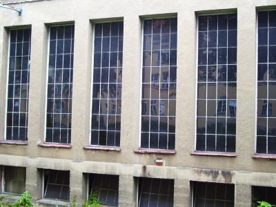 Mir Asbest belastetes Gebäude